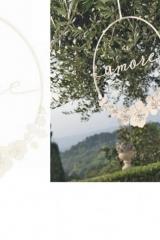 """Tondo metallo glitter con scritta """"Amore"""" e fiori. Diam. 30  Codice: BN28303"""