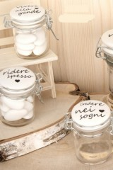 Barattolo-vetro-con-tappo-ceramica-bianca-e-scritta.-Ass-3.-H-65-Codice-E07122