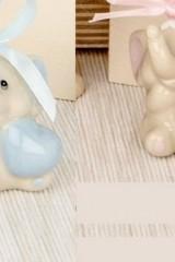 Elefante-baby-in-porcellana-lucida-traforato-con-nastro.-Ass-2-per-colore.-H-4-Codice-E03098