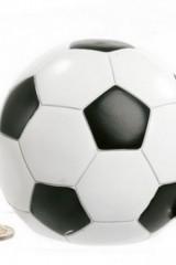 Salvadanaio-pallone-in-resina-con-calciatore.-CM-14-Codice-PB17370
