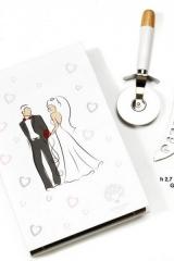 Set-rotella-e-coltello-tagliapizza-in-metallo-con-manico-legno-e-scatola-PB16510-bomboniera-matrimonio-nozze-anniversario