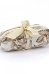 Sacchetto-portaconfetti-zip-pochette-borsetta-fiori-tessuto-rustico
