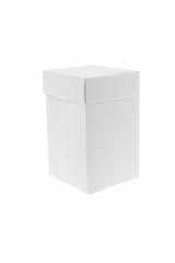 Scatola astuccio in cartone effetto lino bianco. Fondo con coperchio automontate. Misure:7x7x11.Cod.1715271559