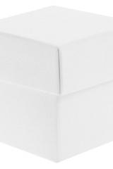 Scatola astuccio in cartone effetto lino bianco. Fondo con coperchio automontate. Misure:5x5x5.Cod.1715271550