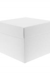 Scatola astuccio in cartone effetto lino bianco. Fondo con coperchio automontate. Misure:16,5x16,5x10.Cod.1715271575