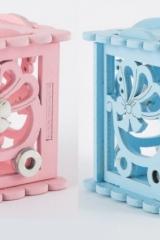 Scatola-legno-traforo-rosa-azzurro-carrozzina-decoro-traforato-portaconfetti-battesimo-nascita-CM 6x6- Codice: CA1313
