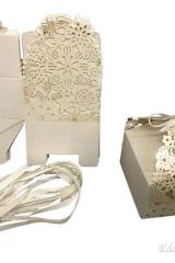 Scatola-scatolina-portaconfetti-bomboniera-cerimonia-comunione-cresima-matrimoniobattesimo-fiore-fiori-traforata-Cod.-0652