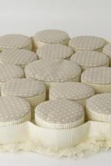 Torta da 19 scatole cilindro con coperchio tessuto pois (Diam CM 6), 1 scatola Diam. CM 9  Codice- SC270-TORTORA